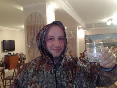MASH: кандидат в члены ЦК КПРФ и «водочный король» Роберт Кочиев мог участвовать в групповом избиении посетителя ресторана в Москве (ВИДЕО)