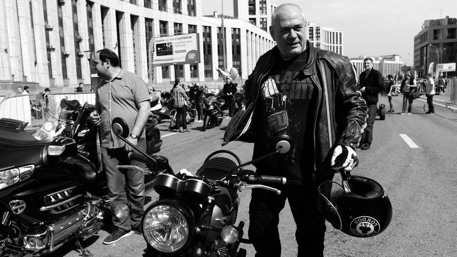 «Телекиллер» 90-х Сергей Доренко умер во время езды на мотоцикле. Видео этого момента попало в сеть