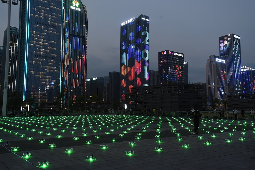 Видели световое шоу дронов на международном ЭКСПО по Big Data в китайском Гуйяне?(ВИДЕО)