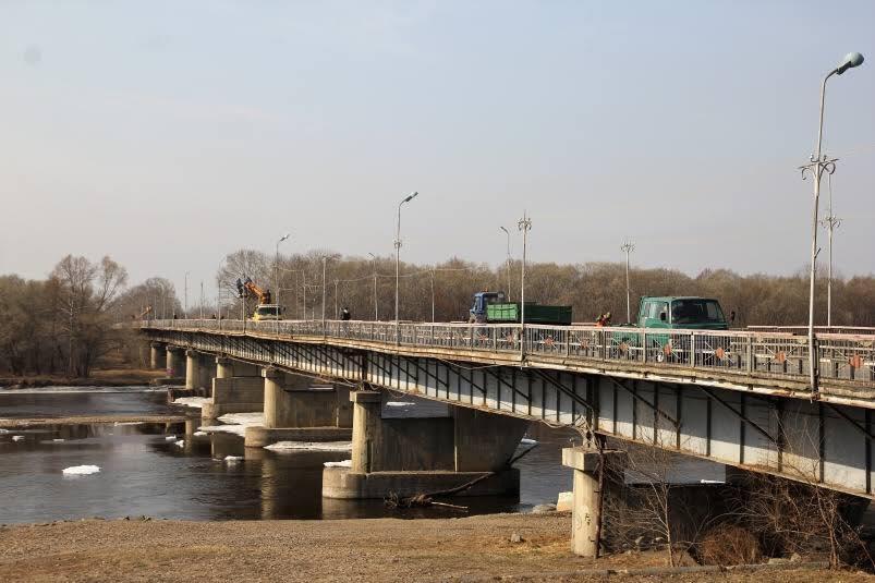 На старом мосту в Биробиджане видеокамеры будут выщёлкивать грузовые автомобили