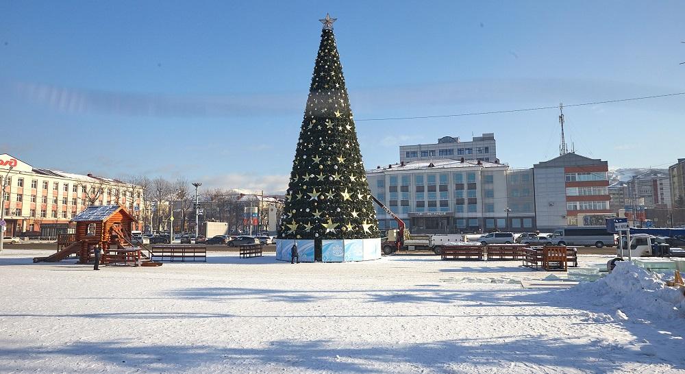 Главные ёлки в Приморье, на Сахалине и в Хабаровске (ФОТО)