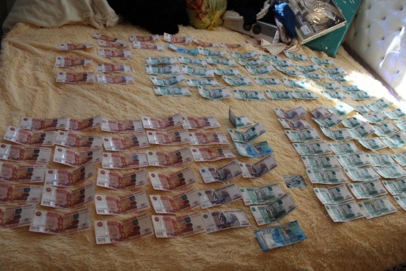 Полицейские и чекисты накрыли в Биробиджане героиновую барыню