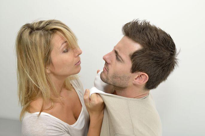 «Ах, так?!»: в ЕАО женщина поссорилась с возлюбленным и заявила на него в полицию