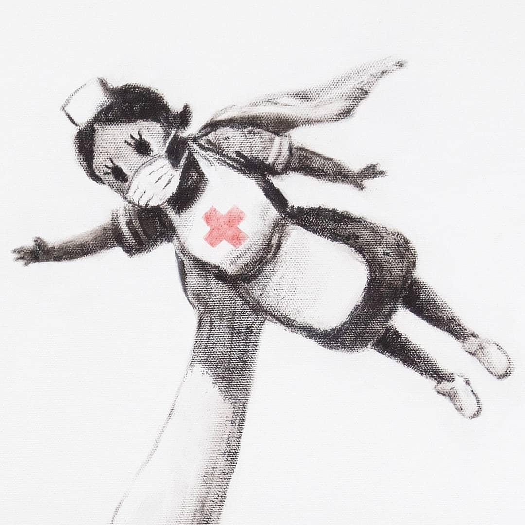 Медсестра – супергерой: Бэнкси представил новую работу