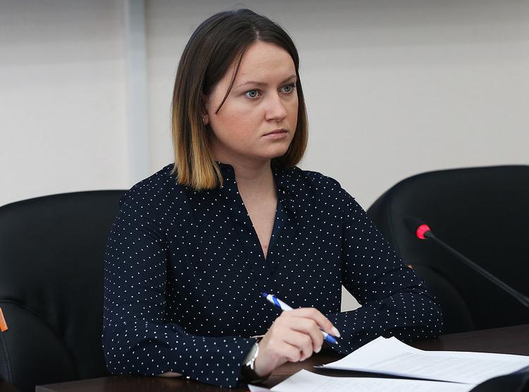 Пресс-секретарь Сергея Фургала Надежда Томченко опровергла сообщения о своем задержании и проведении обысков