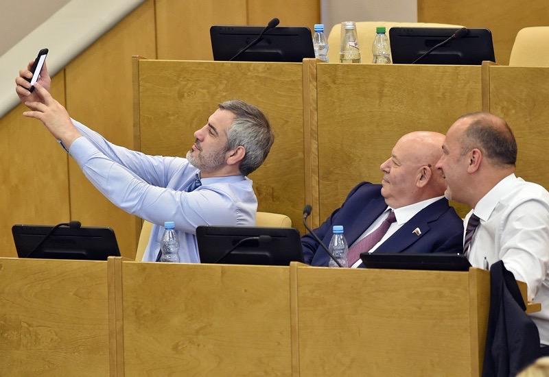 Депутату Госдумы от ЕАО Анатолию Тихомирову светит кресло сенатора в СовФеде