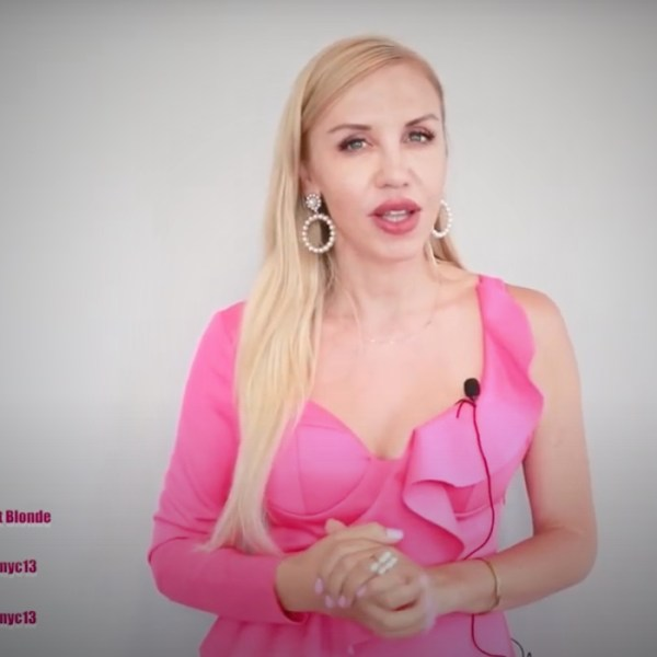 Дочь экс-зампреда гордумы Биробиджана Ирина Паркер (Копёнкина) из США учит подписчиков следить за языком