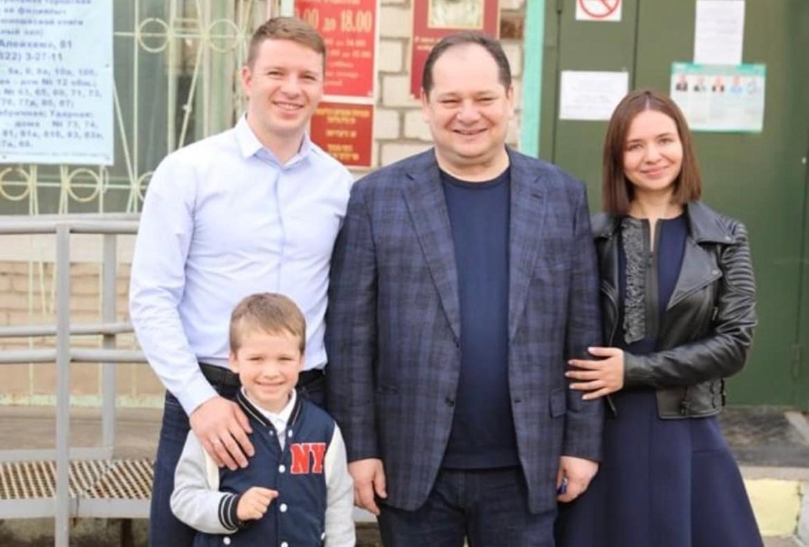 К Ростиславу Гольдштейну приехали дети