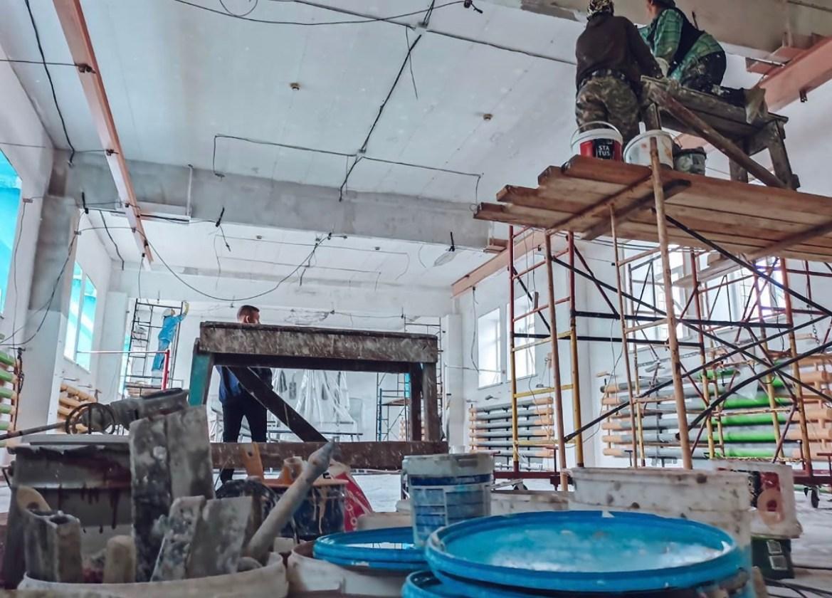 В Биробиджане ремонтируют зал бокса