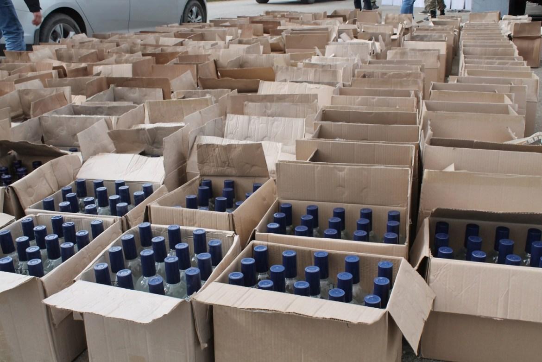 Почти 20 тысяч бутылок «левого» алкоголя привезли из Владивостока в Биробиджан (ВИДЕО)