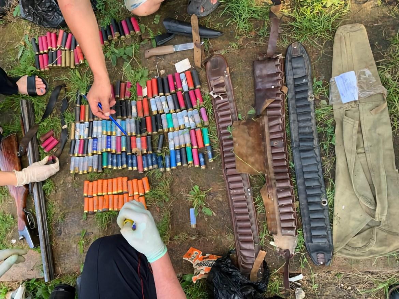 Находившийся в федеральном розыске биробиджанец попался на краже карабинов и патронов