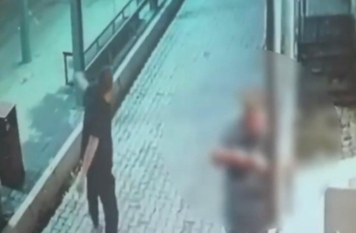 Полицейские Биробиджана задержали вандала, разбившего стеклянную панель на умной остановке