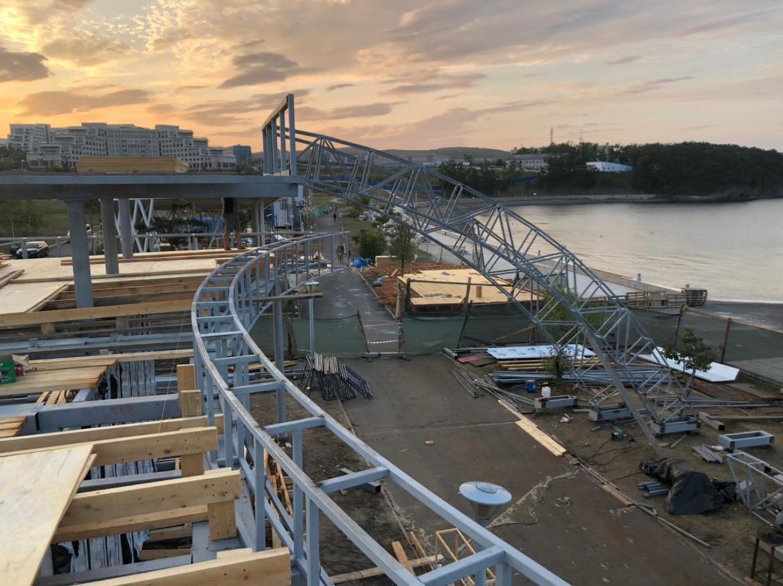 Во Владивостоке монтируют грандиозный павильон ЕАО на ВЭФ-2021 (ФОТО)