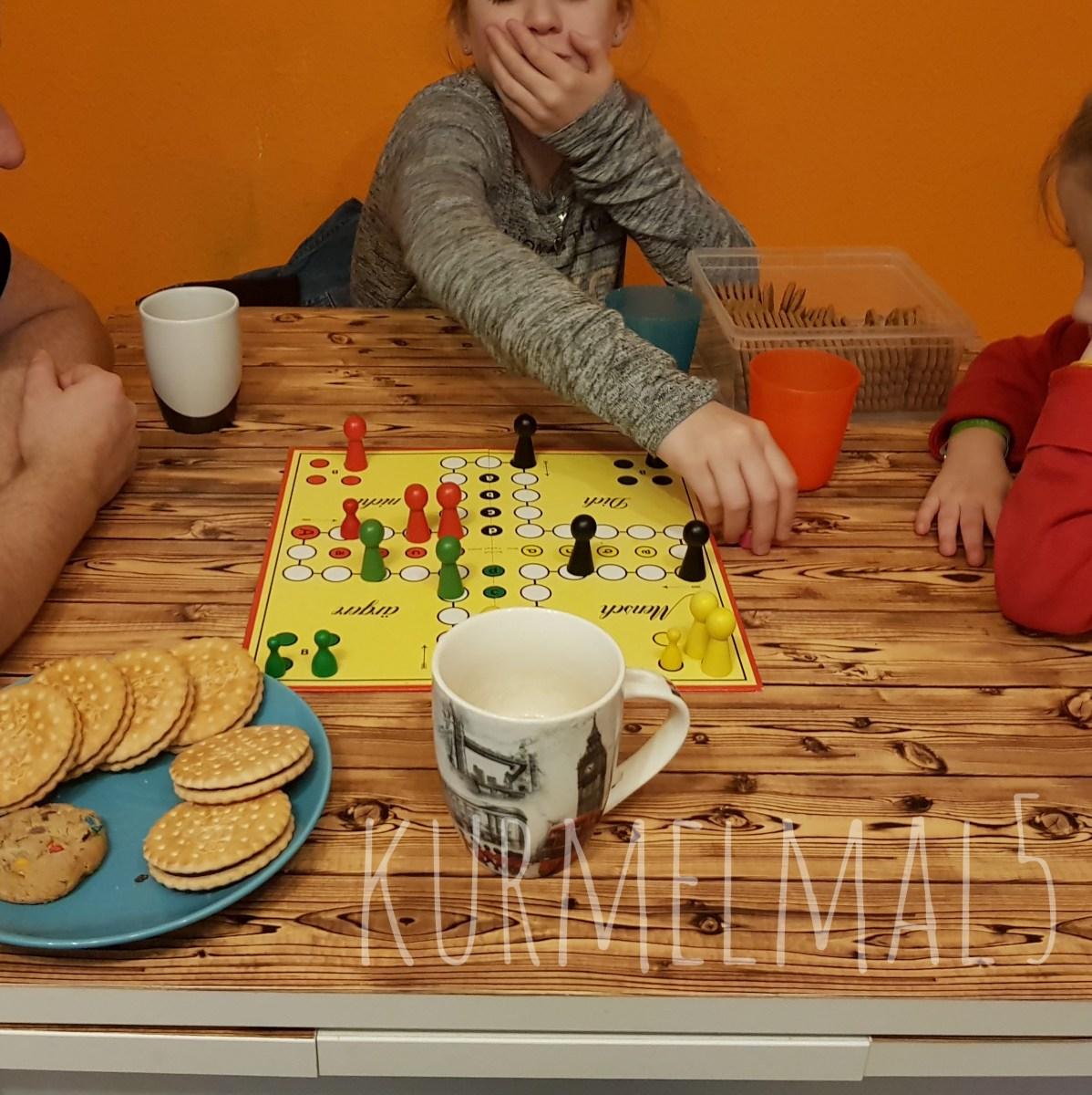 Spiele, Spieleklassiker, Gesellschaftsspiel, Kurmelmal5