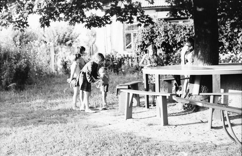 1967_08_na_placu_zabaw_zniwiarze (35)