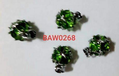 Liontin kristal hijau