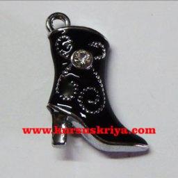 Boots charm,black