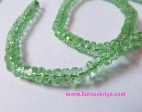 Manik gelas bulat pipih persegi,light green clear