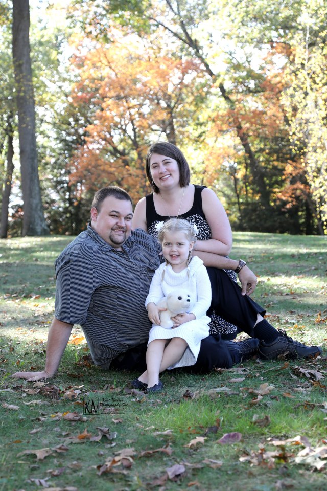 family photos in the park in the fall in toledo ohio