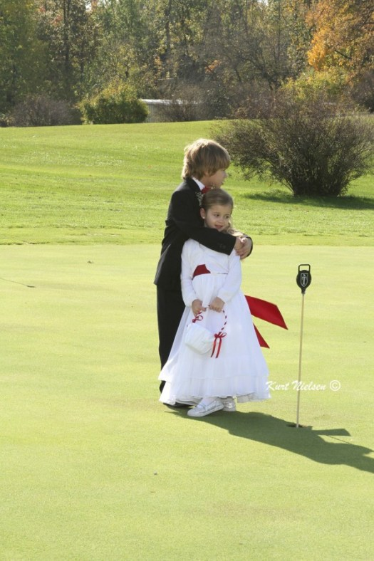 Cute picture of flower girl and ring bearer
