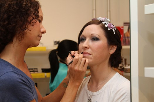 Finishing Touches of Bride Make-up Photos