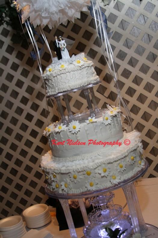 wedding cake pillars