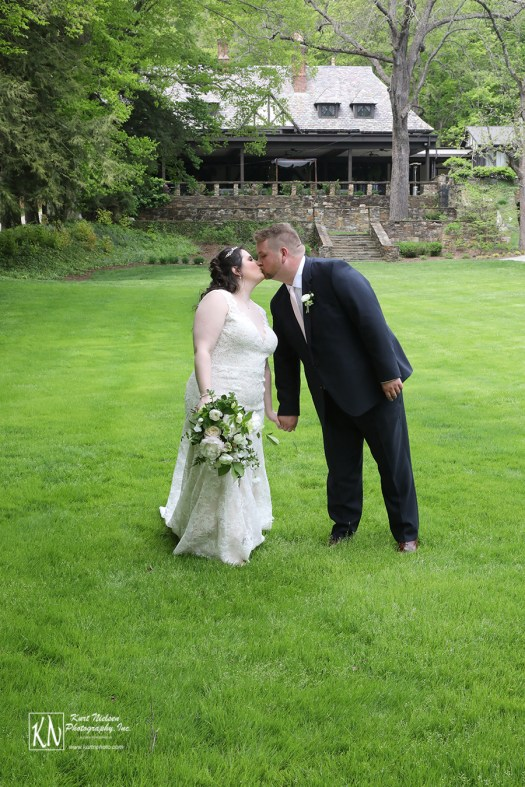 romantic garden wedding at the Club at Hillbrook