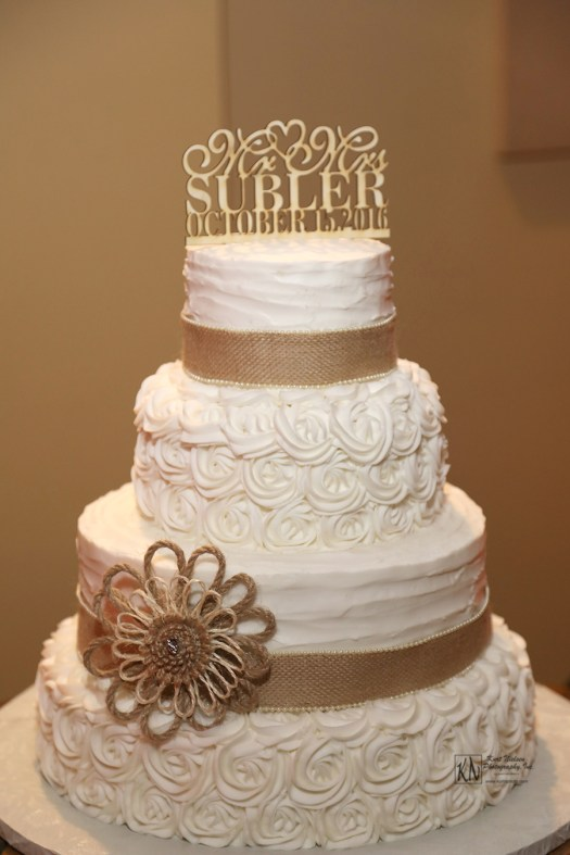 burlap ribbon and flower country chic wedding cake