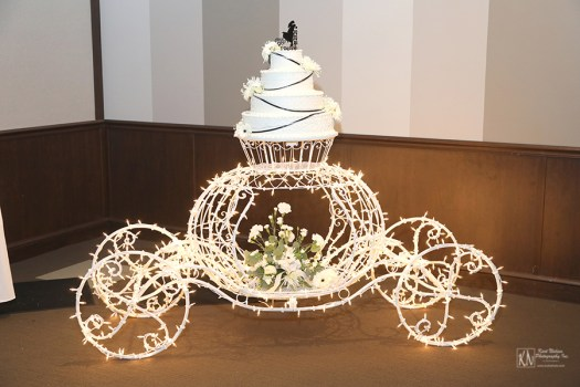 cinderella carriage wedding cake display