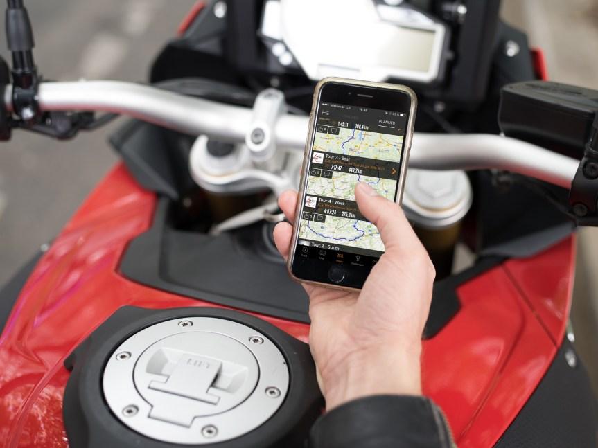 BMW bringt Biker und Socialmedia zusammen.