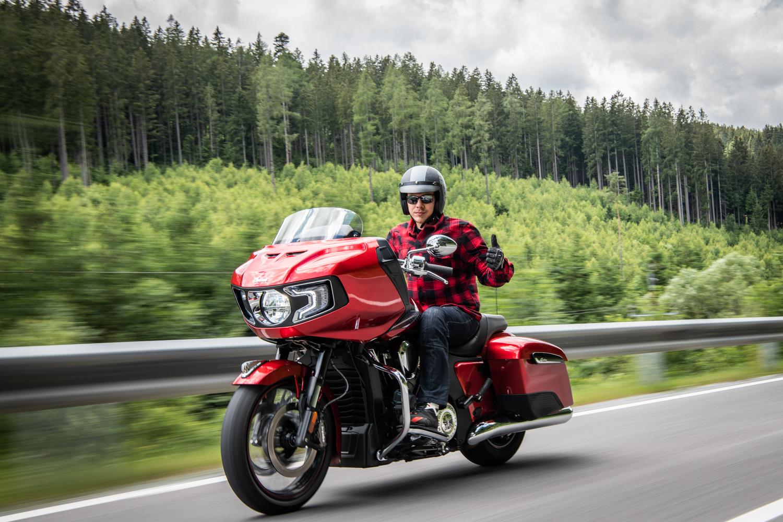 Saisonkennzeichen: So können Motorradfahrer sparen