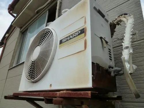 寝屋川で古いエアコンの室外機を撤去・回収 トリプルエス