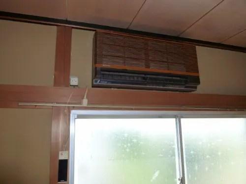 古いエアコンの撤去回収サービス 寝屋川市 トリプルエス