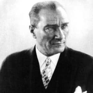 ムスタファ・ケマル「一代でトルコを近代化させた独裁者」