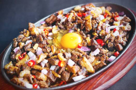 Sizzling sisig with egg (Photo: The Hungry Excavator)