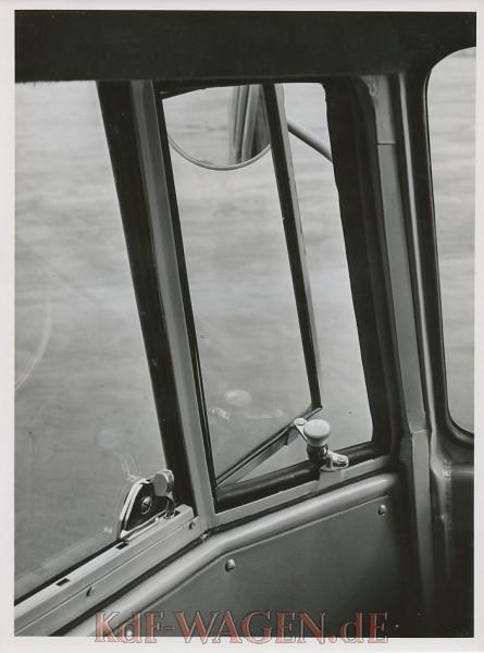 1956805