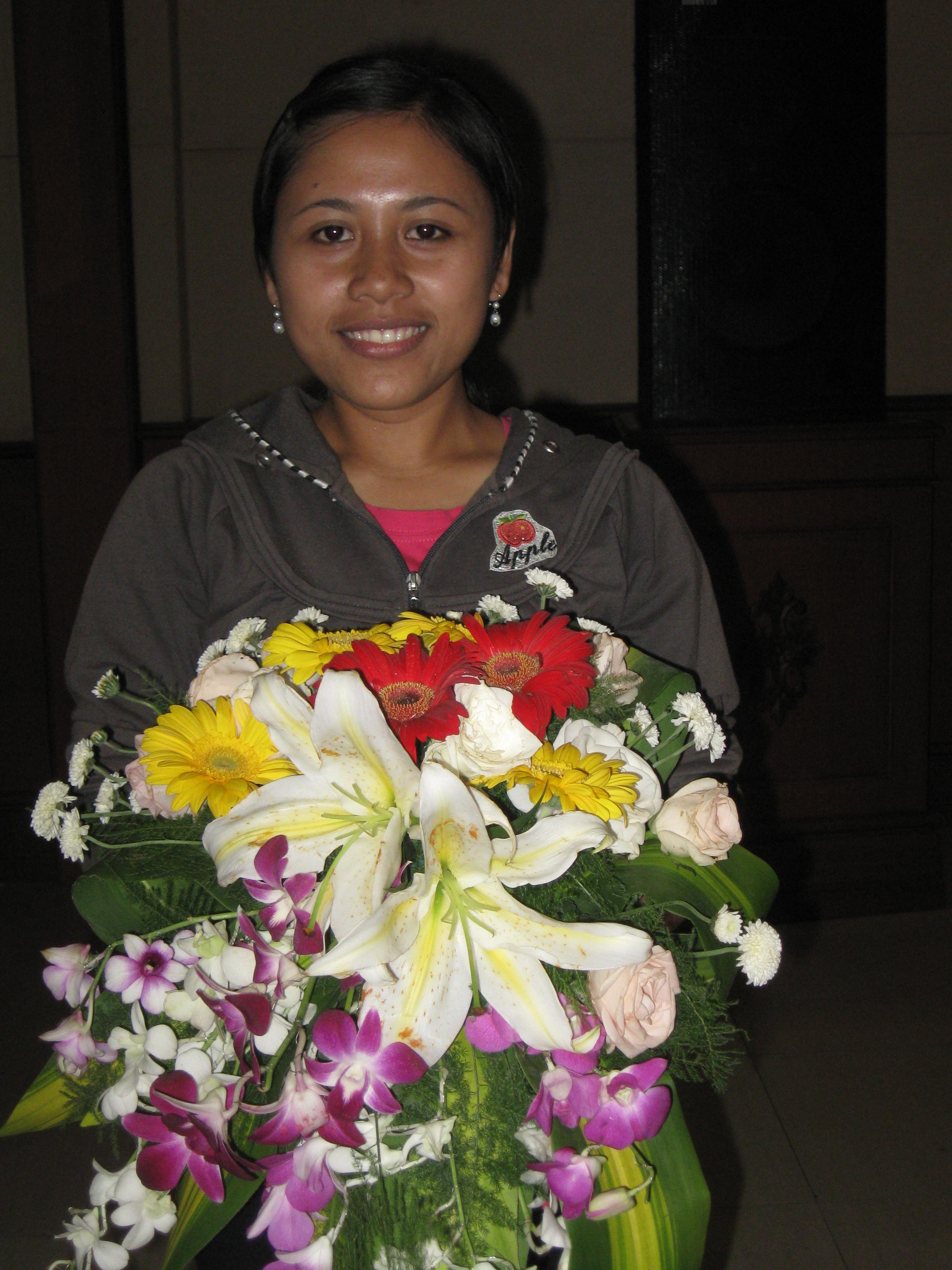 Tian Larasati, Bendahara