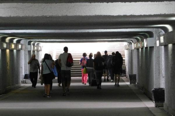 Tunelem jeszcze można przejść na drugą stronę