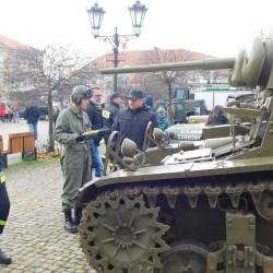 Wystawa sprzętu wojskowego na Święto Niepodległości