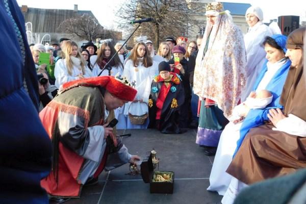 Tłumy kutnian przeszły w Orszaku Trzech Króli