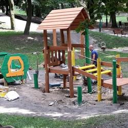 Plac zabaw w Parku Traugutta - bliżej Zdrojowej