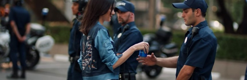 Kendall Jenner starred in the conversational Pepsi commercial. Photo: Twitter.