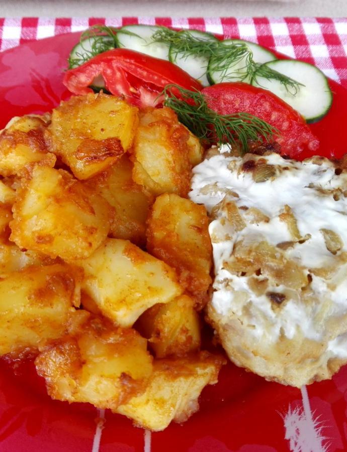 Šnicle sa kiselim mlekom i restovan krompir
