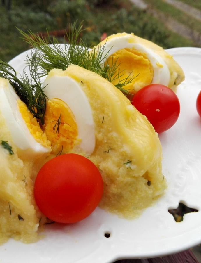 Palenta punjena jajima
