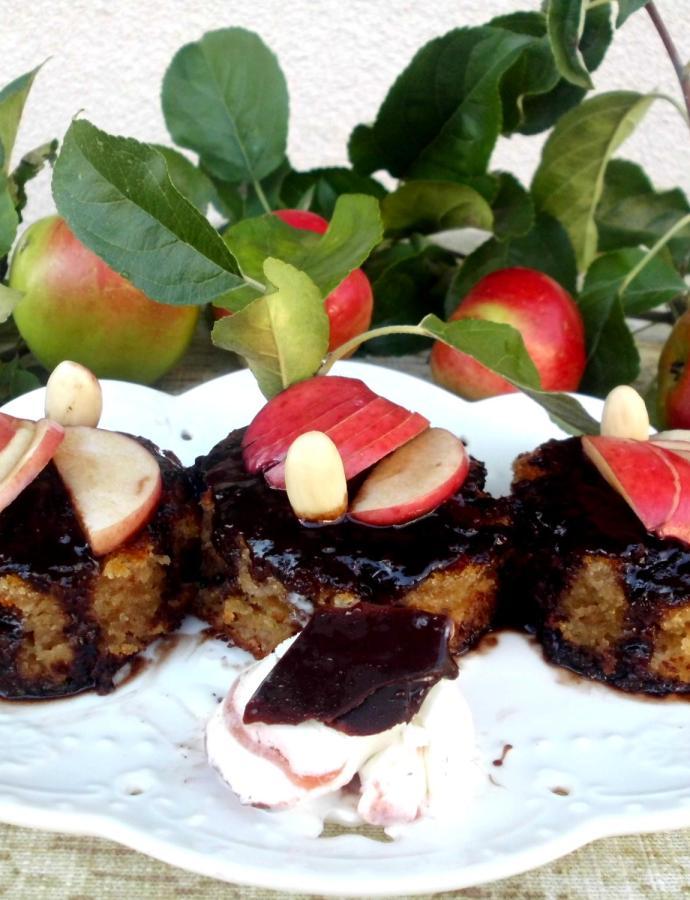 Sočni kolač sa jabukama