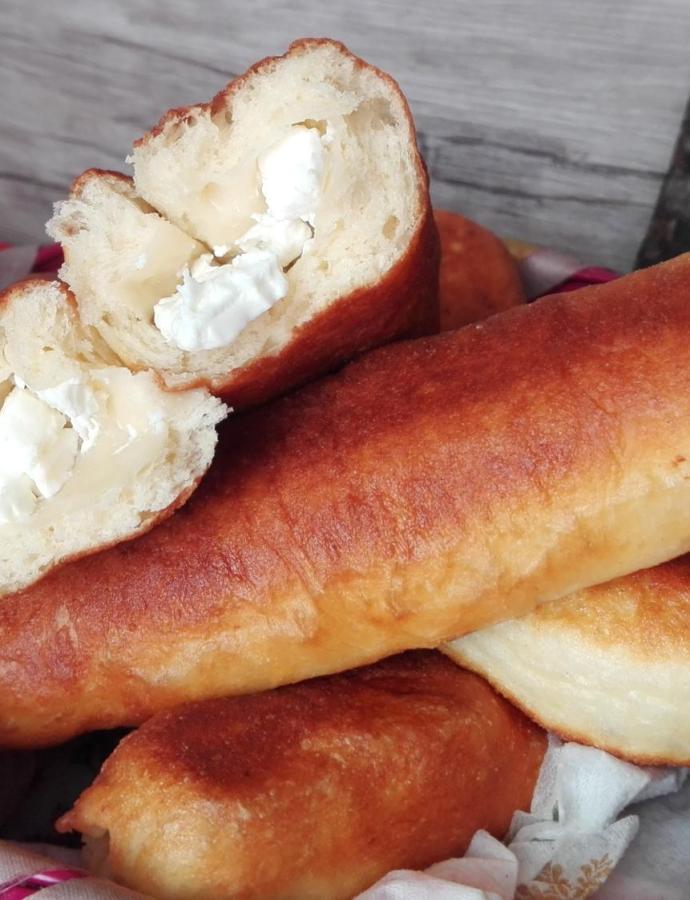 Piroške i venčići sa sirom