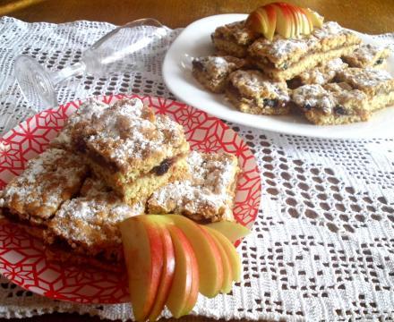 Lenja pita sa jabukama i brusnicama