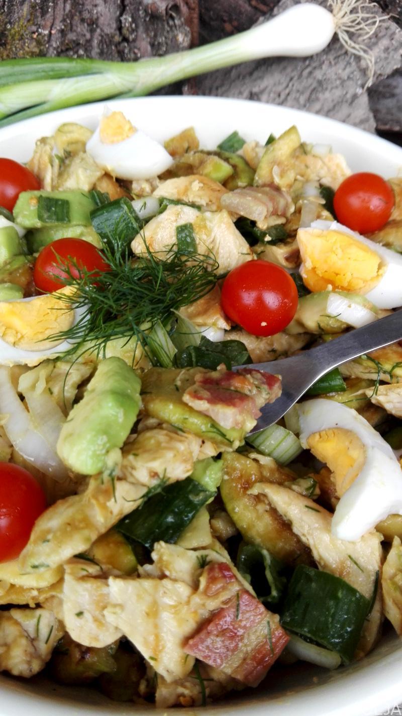 salata sa piletinom, avokadom