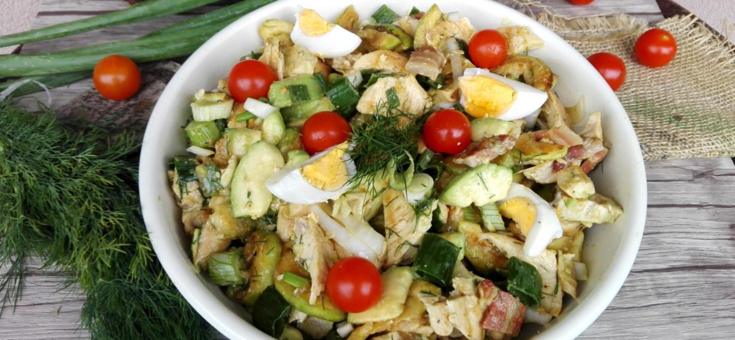 Salata sa piletinom i avokadom