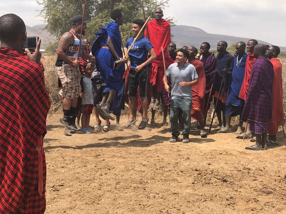 Ngorongoro-dancing with Maasai
